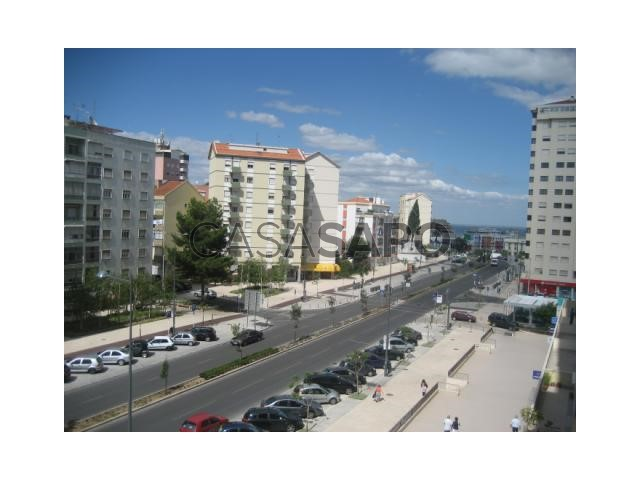 Apartamento T2 Venda / Arrendamento 145.000€ em Loures, Sacavém e Prior Velho, Quinta do Patrimonio (Sacavém)