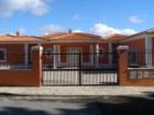 Ver Casa Térrea T6 ou superior em Detalhe
