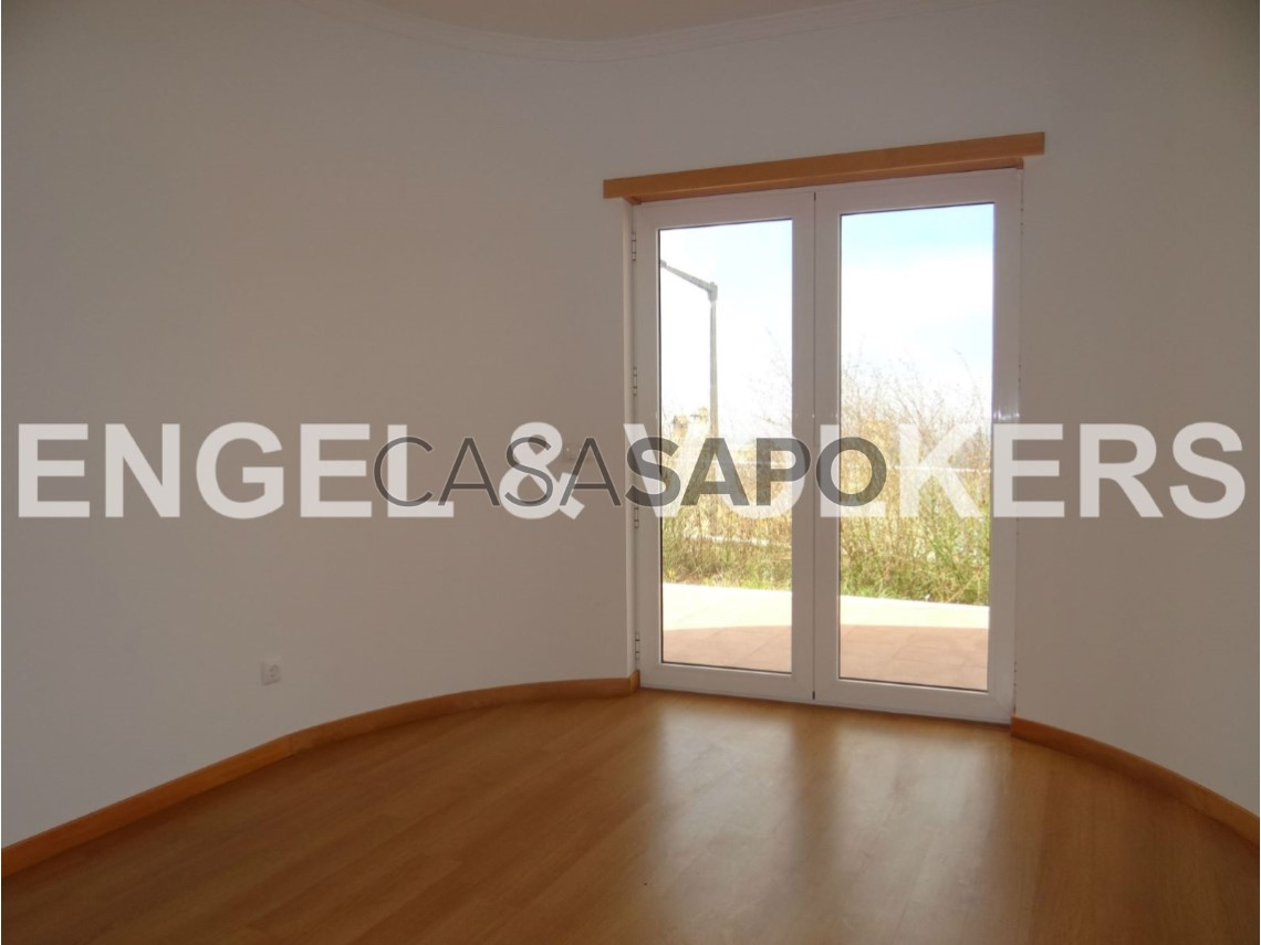 Semi detached house 3 bedrooms for sale 295,000€ in figueira da ...