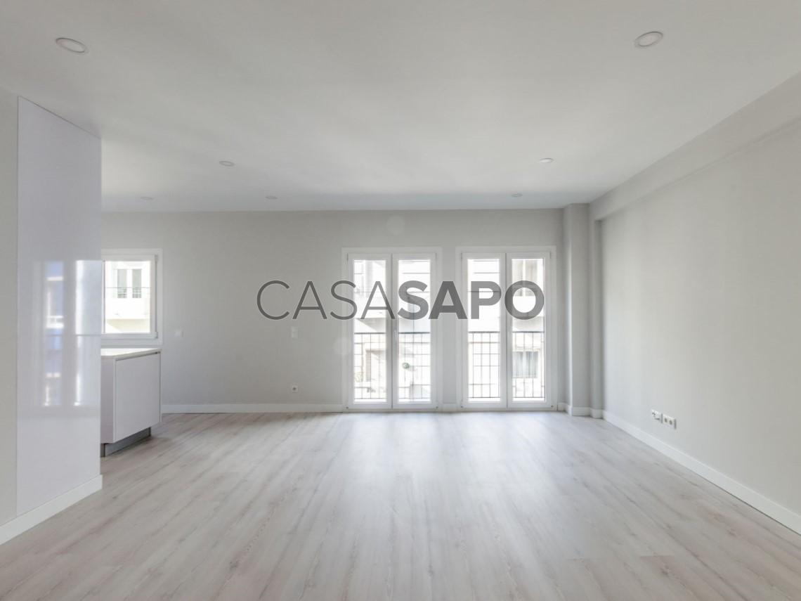 Apartment 2 Bedrooms For Sale 490000EUR In Lisboa Areeiro Bairro