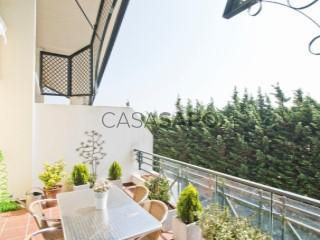 Ver Apartamento T5+2 com garagem, S.Maria e S.Miguel, S.Martinho, S.Pedro Penaferrim em Sintra