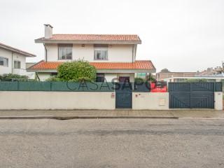 Ver Casa 4 habitación + 1 hab. auxiliar Con garaje, Foz (Foz do Douro), Aldoar, Foz do Douro e Nevogilde, Porto, Aldoar, Foz do Douro e Nevogilde en Porto