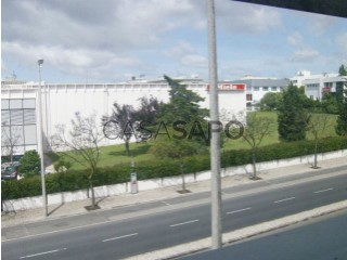 See Office / Practice  with garage, Carnaxide e Queijas in Oeiras