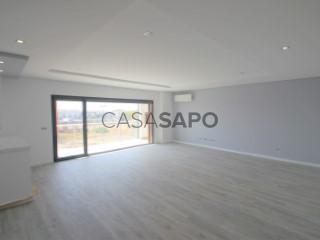 Ver Apartamento T4 Duplex com garagem, Montijo e Afonsoeiro no Montijo