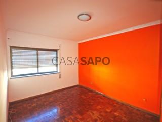 See Apartment 2 Bedrooms, Alto de São Sebastião, Moita, Setúbal in Moita