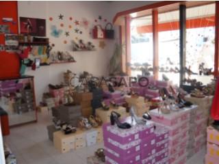 Voir Magasin de chaussures, Águeda e Borralha, Aveiro, Águeda e Borralha à Águeda