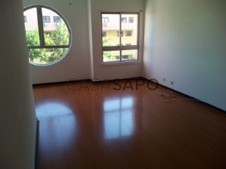 Voir Appartement 4 Pièces, Areeiro à Lisboa