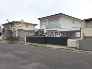 Voir Maison 4 Pièces, Amares e Figueiredo, Braga, Amares e Figueiredo à Amares