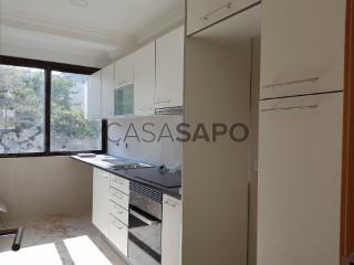 Ver Apartamento T3, Laranjeiro, Laranjeiro e Feijó, Almada, Setúbal, Laranjeiro e Feijó em Almada
