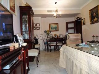 Ver Piso 4 habitaciones con garaje en Sevilla