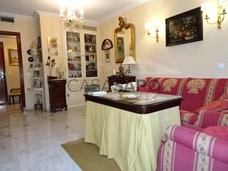 Ver Piso 3 habitaciones con garaje en Sevilla