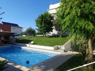 See House 4 Bedrooms Triplex with swimming pool, Santa Lucrécia de Algeriz e Navarra in Braga
