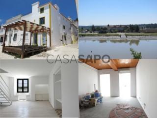 Ver Edificio , Santa Maria do Castelo e Santiago e Santa Susana en Alcácer do Sal