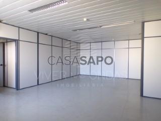 Ver Oficina Con garaje, Sacavém e Prior Velho, Loures, Lisboa, Sacavém e Prior Velho en Loures