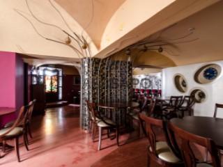 Voir Bar/Restaurant, Centro Histórico (Évora (Sé e São Pedro)), Évora (São Mamede, Sé, São Pedro e Santo Antão), Évora (São Mamede, Sé, São Pedro e Santo Antão) à Évora