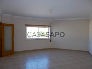 Ver Apartamento T2 Triplex, Abrã em Santarém