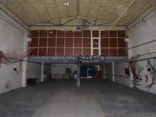 Voir Atelier mécanique Avec garage, Quinta das Laranjeiras , Fernão Ferro, Seixal, Setúbal, Fernão Ferro à Seixal