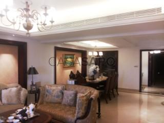 Ver Apartamento T3+1 com garagem, Ingombota-Ingombota em Luanda
