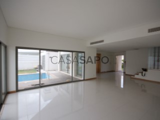 Ver Moradia T3 Duplex com piscina, Cidade de Talatona em Talatona