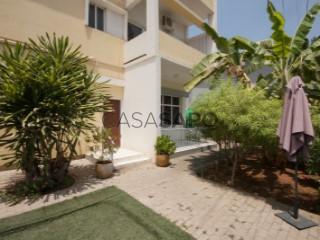 Ver Casa de hóspedes T12, Vila Alice em Luanda