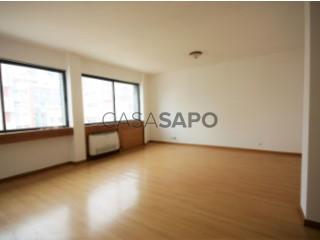 Ver Apartamento T4 com garagem, Ingombota-Ingombota em Luanda