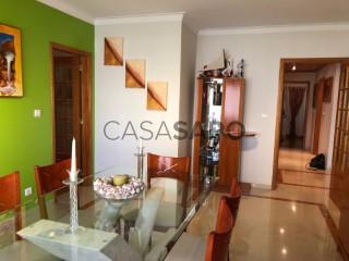 Ver Apartamento T2+2 vista mar, Oeiras e São Julião da Barra, Paço de Arcos e Caxias em Oeiras