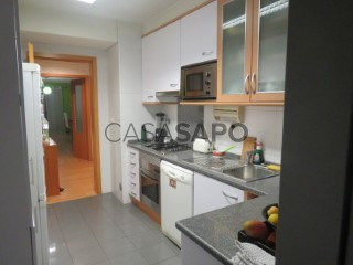 See Apartment 2 Bedrooms with garage, Carnaxide e Queijas in Oeiras