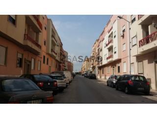 Ver Apartamento T3, Baixa da Banheira e Vale da Amoreira na Moita