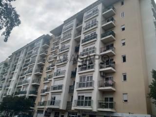 Ver Apartamento T4 Com garagem, Bairro das Flores (Massamá), Massamá e Monte Abraão, Sintra, Lisboa, Massamá e Monte Abraão em Sintra