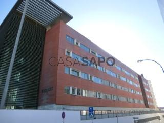 Ver Escritório Com garagem, Carnaxide e Queijas, Oeiras, Lisboa, Carnaxide e Queijas em Oeiras