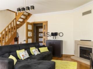See Apartment 3 Bedrooms Duplex With garage, Alcabideche, Cascais, Lisboa, Alcabideche in Cascais