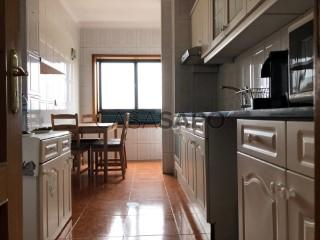 Voir Appartement 2 Pièces Avec garage, Oliveira do Douro, Vila Nova de Gaia, Porto, Oliveira do Douro à Vila Nova de Gaia