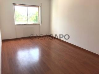 Voir Appartement 3 Pièces avec garage, Carcavelos e Parede à Cascais