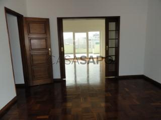Voir Appartement 6 Pièces, Avenidas Novas (São João de Brito), Alvalade, Lisboa, Alvalade à Lisboa