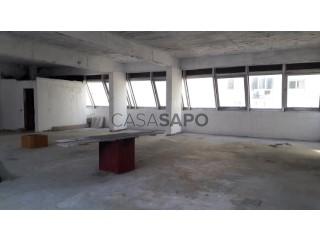 Voir Bureau Avec garage, Olaias, Beato, Lisboa, Beato à Lisboa