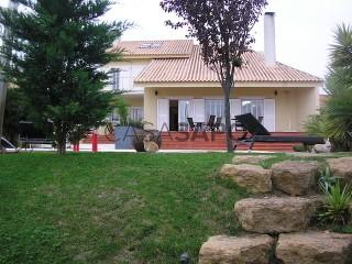 Voir Maison 5 Pièces Triplex Avec garage, Rinchoa (Rio de Mouro), Sintra, Lisboa, Rio de Mouro à Sintra