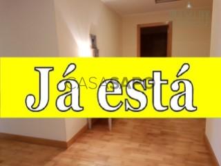 Ver Apartamento T3 com garagem, Lagoa (Nossa Senhora do Rosário) em Lagoa (São Miguel)