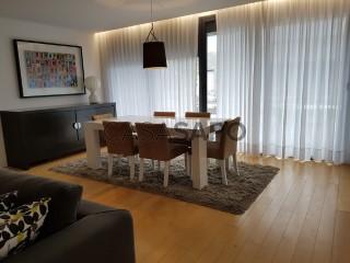 Ver Apartamento T4 com garagem, Rosto de Cão (Livramento) em Ponta Delgada