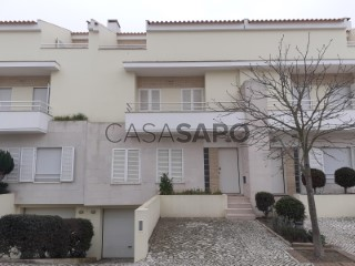 See Terraced House 3 Bedrooms Triplex With garage, Lagoa do Láparo, Alcochete, Setúbal in Alcochete