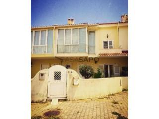 Voir Maison Mitoyenne 4 Pièces Duplex +1, Azeitão (São Lourenço e São Simão) à Setúbal