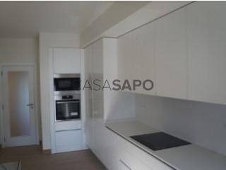 Ver Apartamento T4 com garagem, Montijo e Afonsoeiro no Montijo