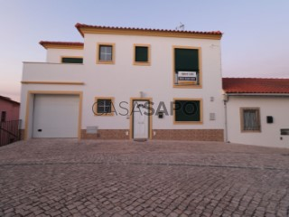 Ver Moradia T3 Triplex com garagem, São Pedro da Cadeira em Torres Vedras