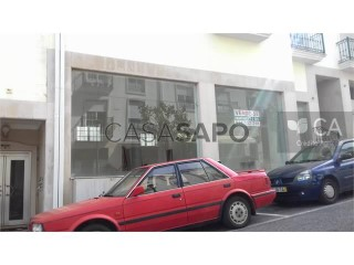Voir Commerce rez-de-chaussée, Turquel, Alcobaça, Leiria, Turquel à Alcobaça