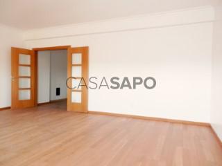 Ver Apartamento T3 Com garagem, Centro (Marteleira), Miragaia e Marteleira, Lourinhã, Lisboa, Miragaia e Marteleira na Lourinhã
