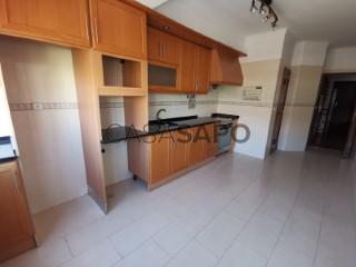 Ver Apartamento T2, Santa Iria de Azoia, São João da Talha e Bobadela em Loures