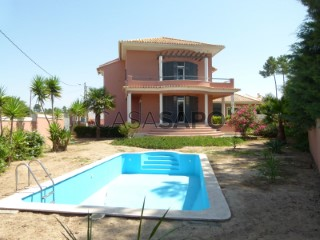 See House 4 Bedrooms +1, Amora in Seixal