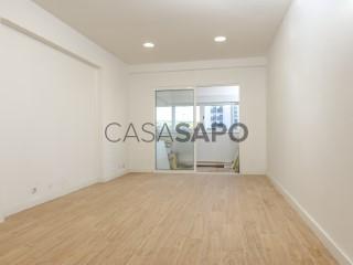 Voir Appartement 4 Pièces, Monte Abraão (Queluz), Queluz e Belas, Sintra, Lisboa, Queluz e Belas à Sintra