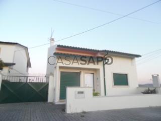 Voir Maison 3 Pièces Avec garage, Louriçal, Pombal, Leiria, Louriçal à Pombal