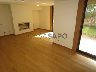 See Apartment 4 Bedrooms with garage, Santo António dos Olivais in Coimbra