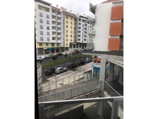 Ver Apartamento T3 Com garagem, Edifício Oceanus, Ponta Delgada (São Pedro), São Miguel, Ponta Delgada (São Pedro) em Ponta Delgada